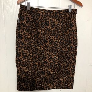 NWT Old Navy skirt  Leopard Print Size 8